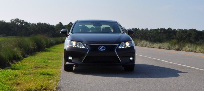 Car-Revs-Daily.com 2015 Lexus ES300h Review 19