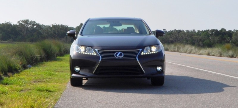 Car-Revs-Daily.com 2015 Lexus ES300h Review 20