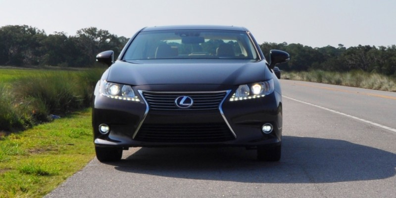 Car-Revs-Daily.com 2015 Lexus ES300h Review 22
