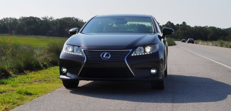 Car-Revs-Daily.com 2015 Lexus ES300h Review 23