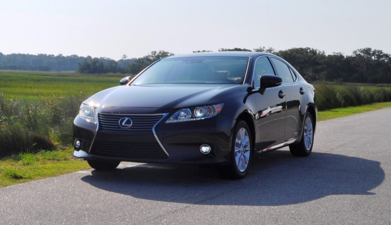 Car-Revs-Daily.com 2015 Lexus ES300h Review 25