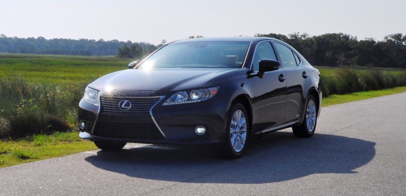 Car-Revs-Daily.com 2015 Lexus ES300h Review 26