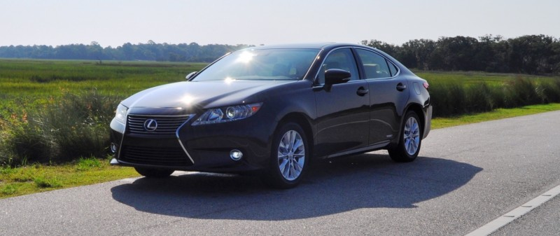 Car-Revs-Daily.com 2015 Lexus ES300h Review 28
