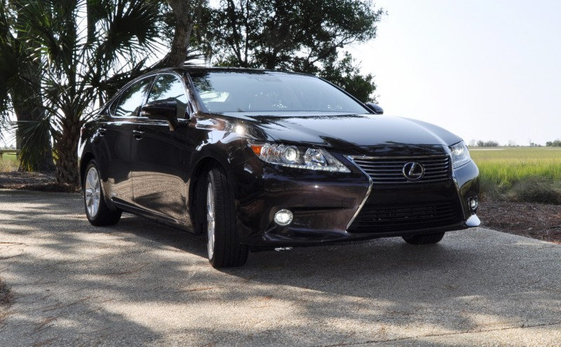 Car-Revs-Daily.com 2015 Lexus ES300h Review 32