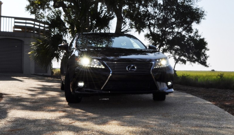 Car-Revs-Daily.com 2015 Lexus ES300h Review 34