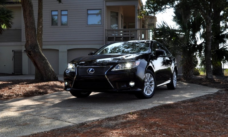 Car-Revs-Daily.com 2015 Lexus ES300h Review 37