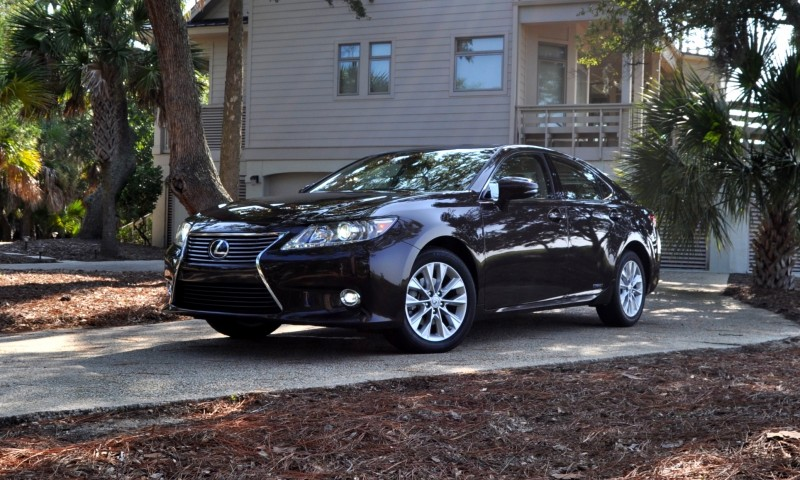 Car-Revs-Daily.com 2015 Lexus ES300h Review 38