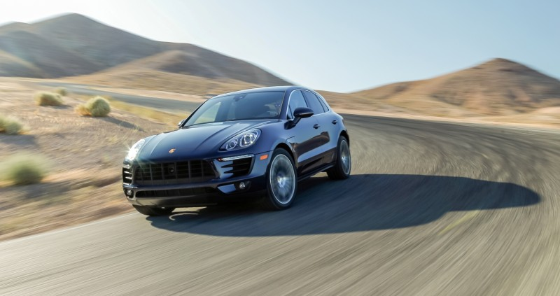 Car-Revs-Daily.com 2015 Porsche MACAN USA 18