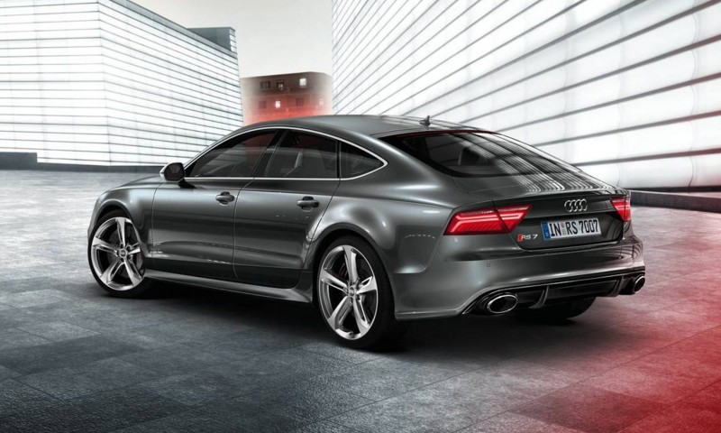 Car-Revs-Daily.com 2016 Audi RS7 4