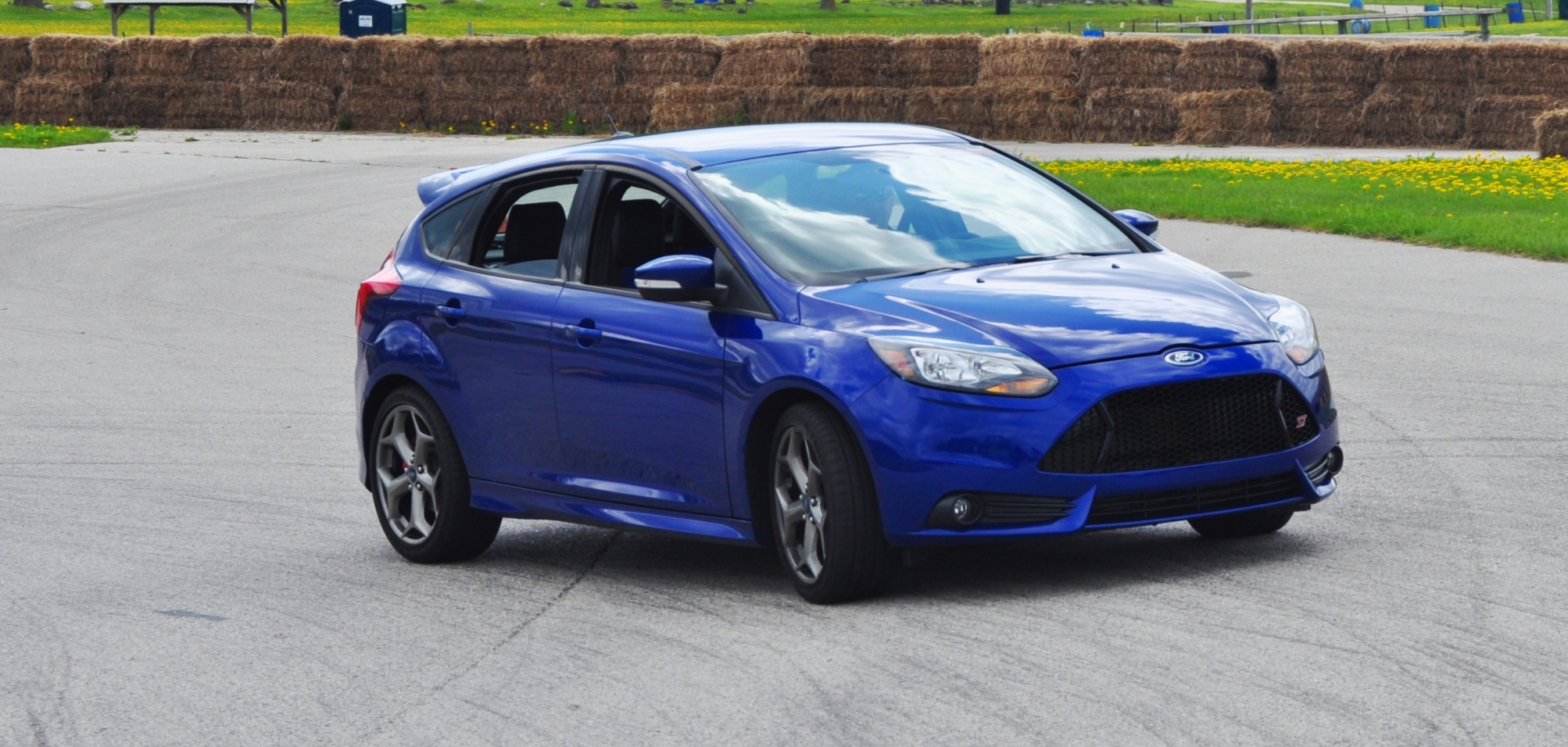 2014 ford focus st is most ferocious car on autocross. Black Bedroom Furniture Sets. Home Design Ideas