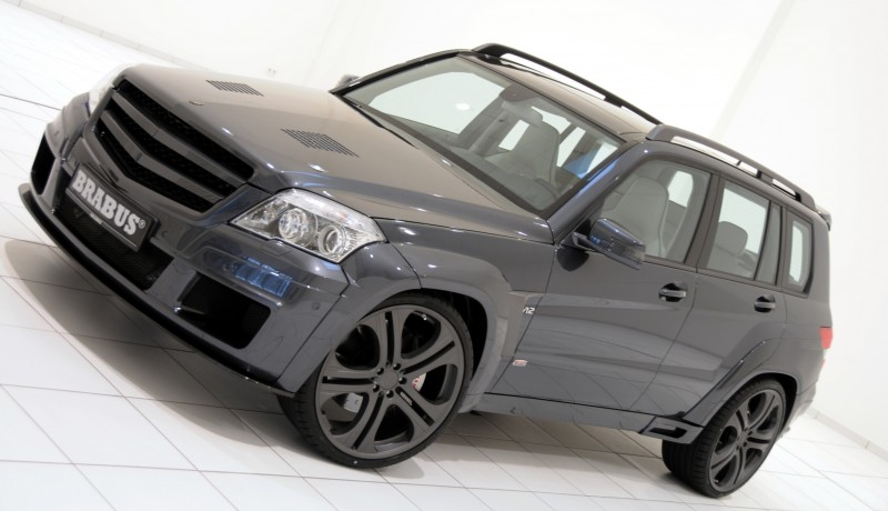 Car-Revs-Daily.com BRABUS GLK V12 15