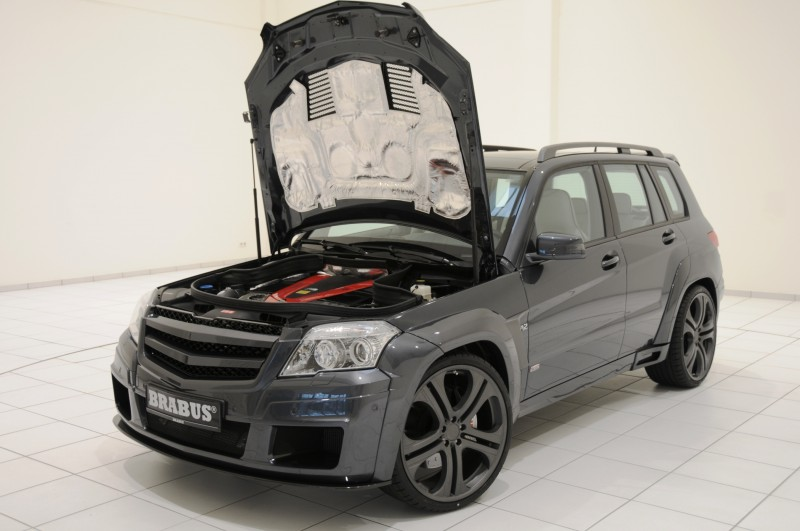 Car-Revs-Daily.com BRABUS GLK V12 3