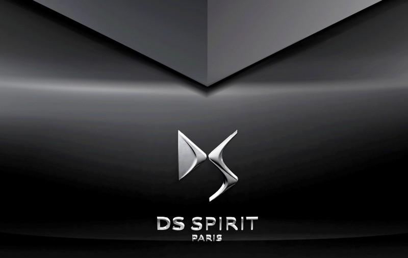 Car-Revs-Daily.com Citroen Divine DS Concept for Paris 2014 Shows Way for 2016 DS4 13