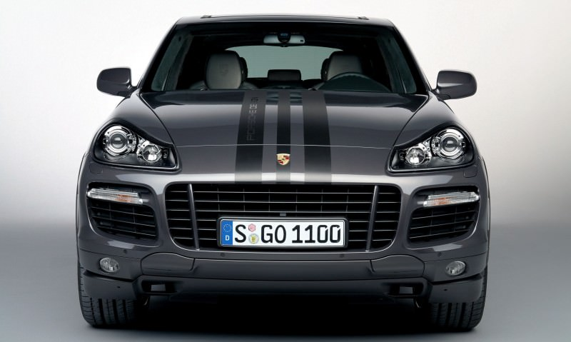 Car-Revs-Daily.com Concept Flashback - 2005 RINSPEED Chopster vs Porsche Cayenne Turbo S 8