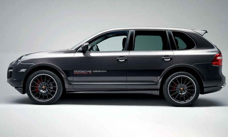 Car-Revs-Daily.com Concept Flashback - 2005 RINSPEED Chopster vs Porsche Cayenne Turbo S 9