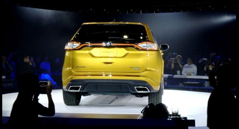 Car-Revs-Daily.com EXTERIOR GALLERY 2015 Ford Edge 5