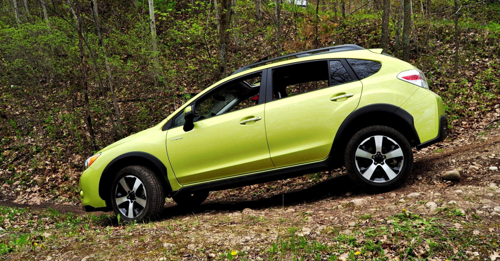 off road test review 2014 subaru xv crosstrek hybrid is surprisingly silent very capable. Black Bedroom Furniture Sets. Home Design Ideas