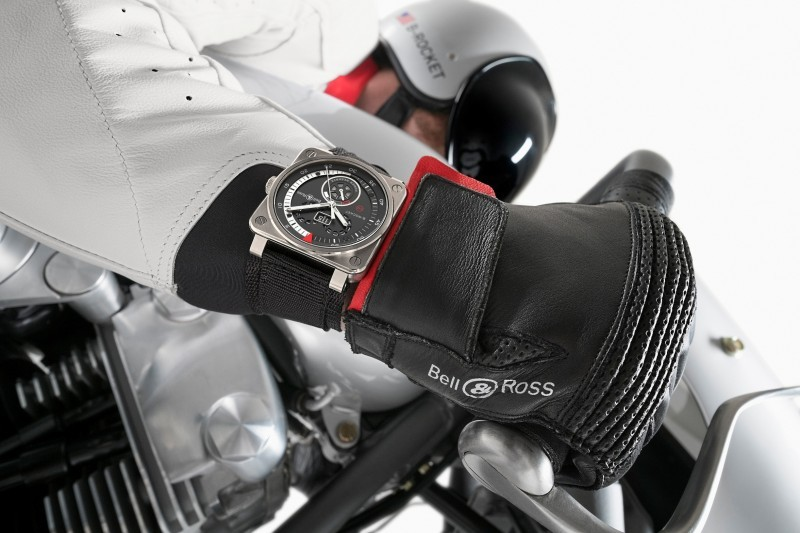 Car-Revs-Daily.com LIFESTYLE - Bell & Ross B-ROCKET 7