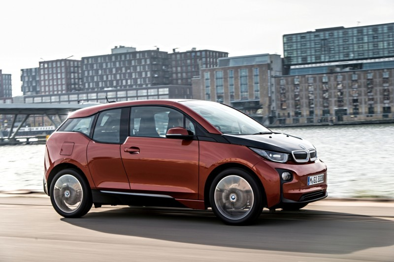 Car-Revs-Daily.com Mega Galleries - 2015 BMW i3 104