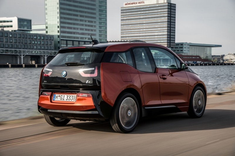 Car-Revs-Daily.com Mega Galleries - 2015 BMW i3 106