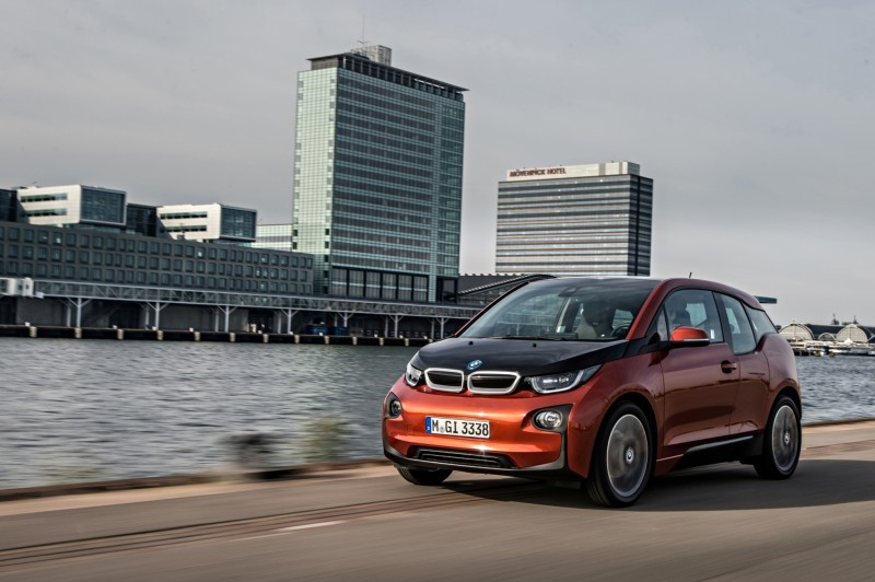 Car-Revs-Daily.com Mega Galleries - 2015 BMW i3 107