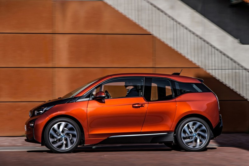 Car-Revs-Daily.com Mega Galleries - 2015 BMW i3 109
