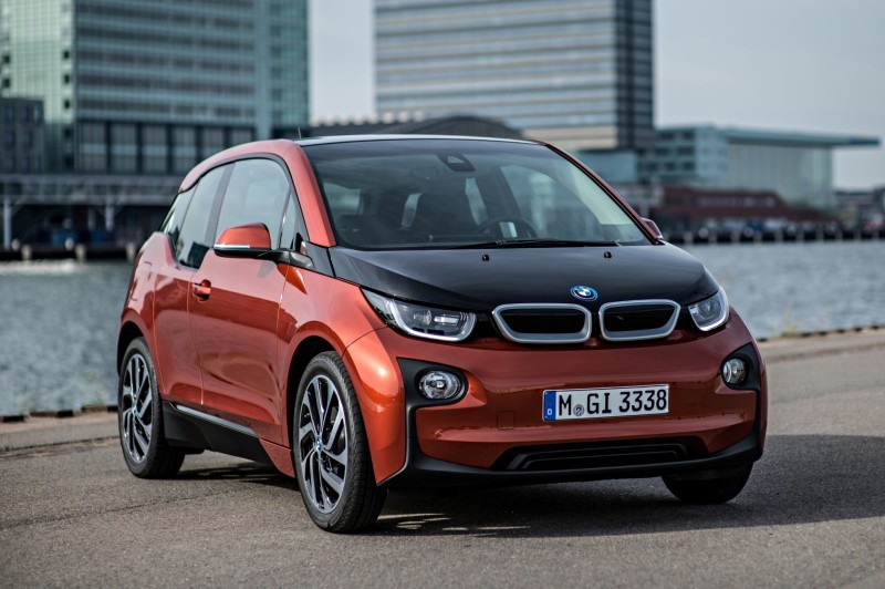 Car-Revs-Daily.com Mega Galleries - 2015 BMW i3 110