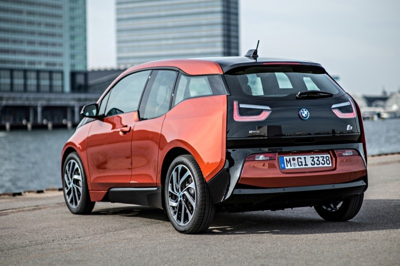 Car-Revs-Daily.com Mega Galleries - 2015 BMW i3 113