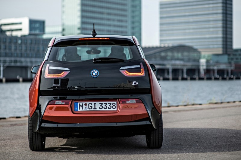 Car-Revs-Daily.com Mega Galleries - 2015 BMW i3 114