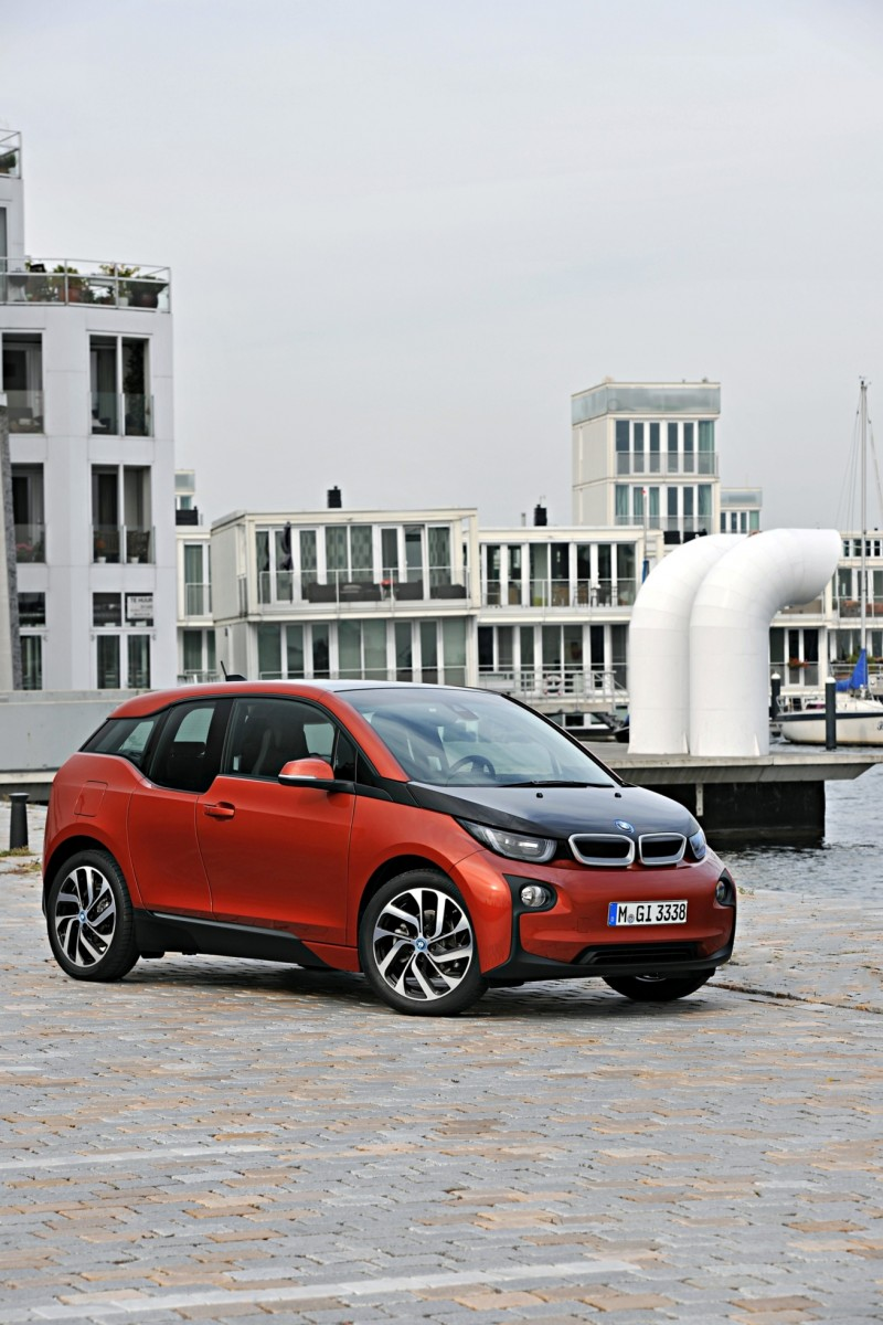 Car-Revs-Daily.com Mega Galleries - 2015 BMW i3 115