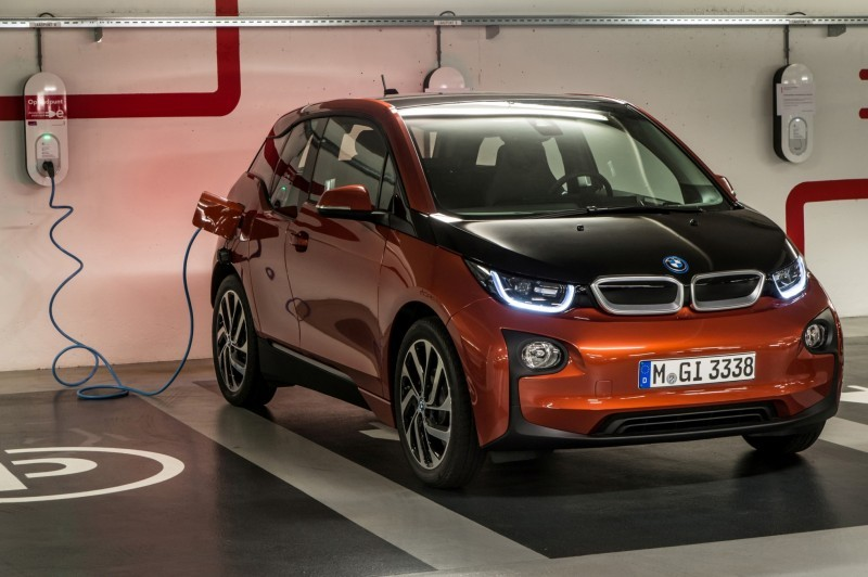 Car-Revs-Daily.com Mega Galleries - 2015 BMW i3 132