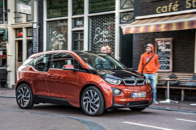 Car-Revs-Daily.com Mega Galleries - 2015 BMW i3 136