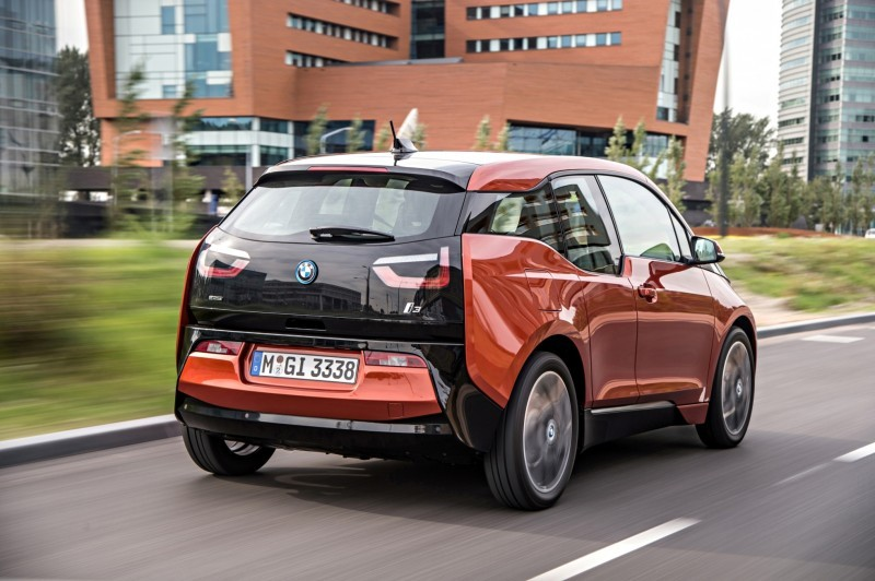 Car-Revs-Daily.com Mega Galleries - 2015 BMW i3 139