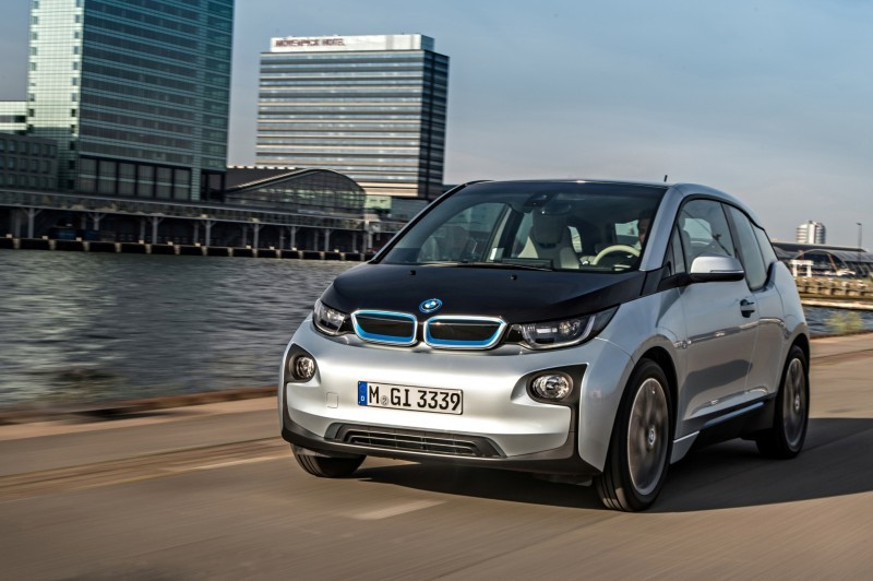 Car-Revs-Daily.com Mega Galleries - 2015 BMW i3 143