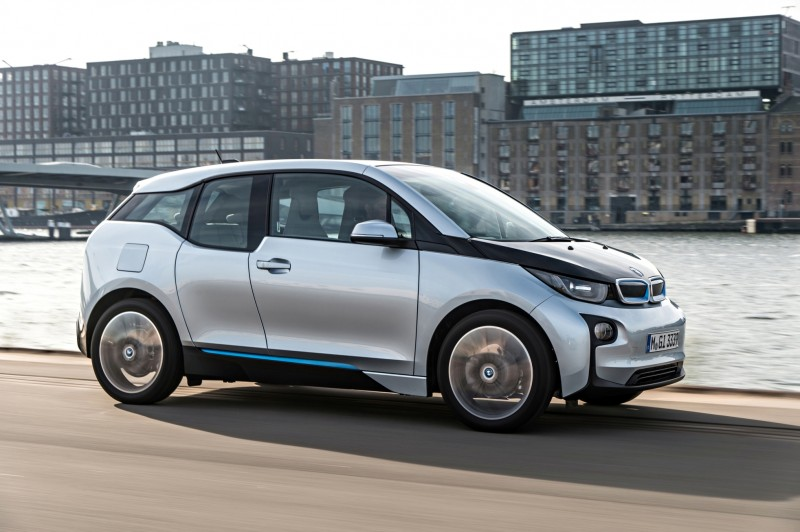 Car-Revs-Daily.com Mega Galleries - 2015 BMW i3 145