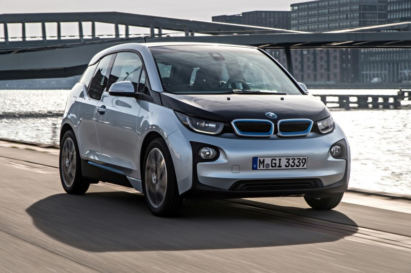 Car-Revs-Daily.com Mega Galleries - 2015 BMW i3 146