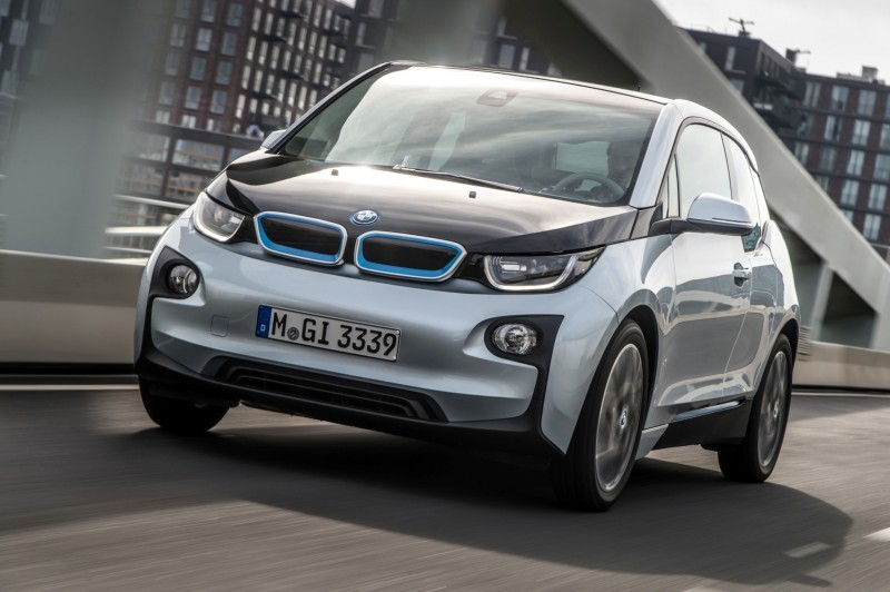 Car-Revs-Daily.com Mega Galleries - 2015 BMW i3 148
