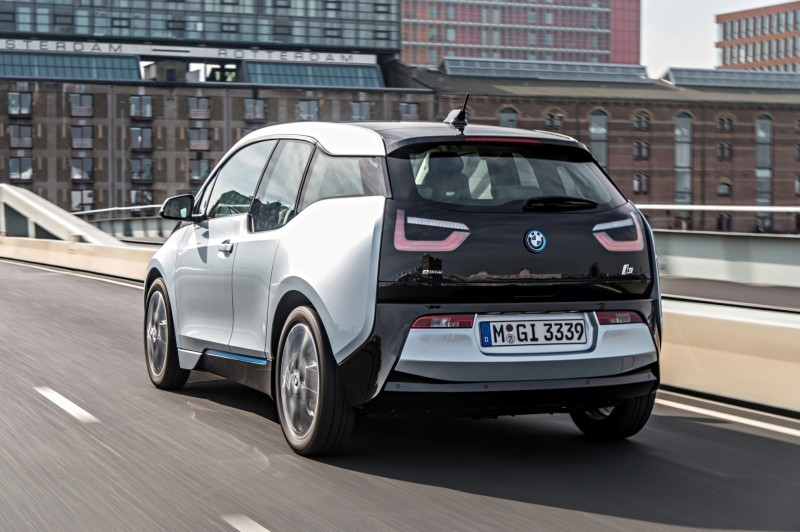 Car-Revs-Daily.com Mega Galleries - 2015 BMW i3 150