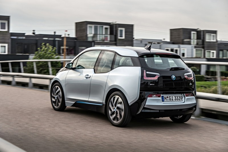 Car-Revs-Daily.com Mega Galleries - 2015 BMW i3 154