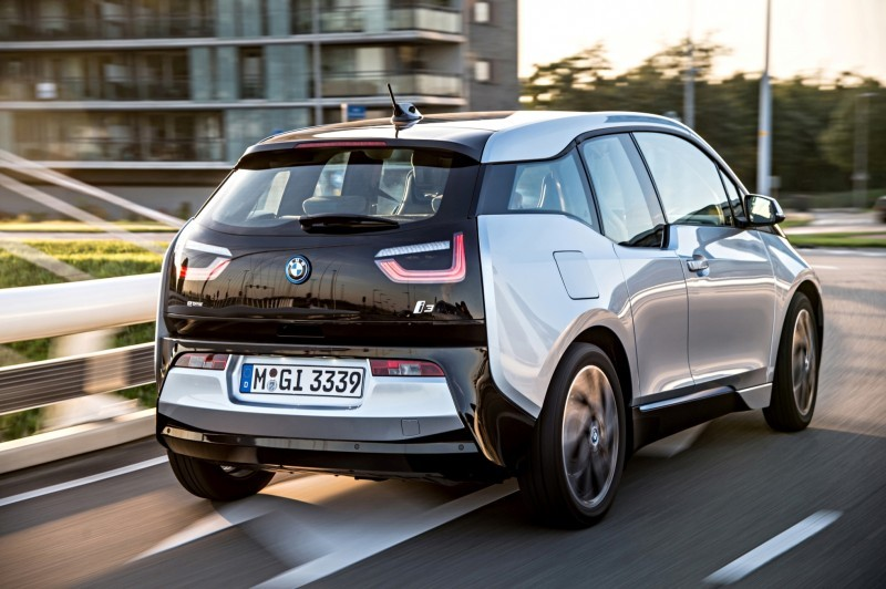 Car-Revs-Daily.com Mega Galleries - 2015 BMW i3 155