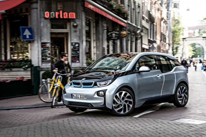 Car-Revs-Daily.com Mega Galleries - 2015 BMW i3 158
