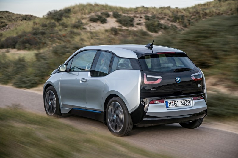 Car-Revs-Daily.com Mega Galleries - 2015 BMW i3 161