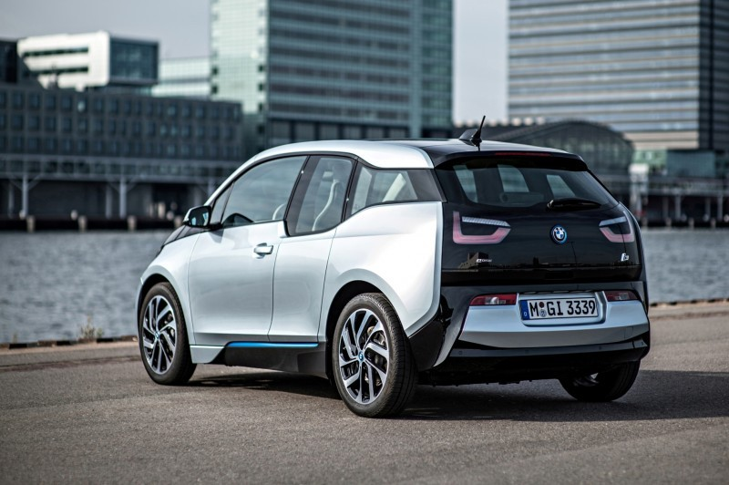 Car-Revs-Daily.com Mega Galleries - 2015 BMW i3 173