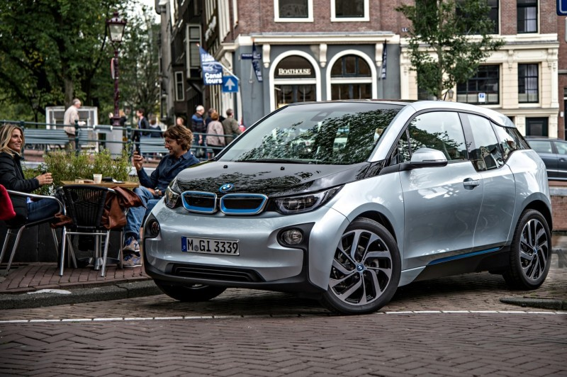 Car-Revs-Daily.com Mega Galleries - 2015 BMW i3 179