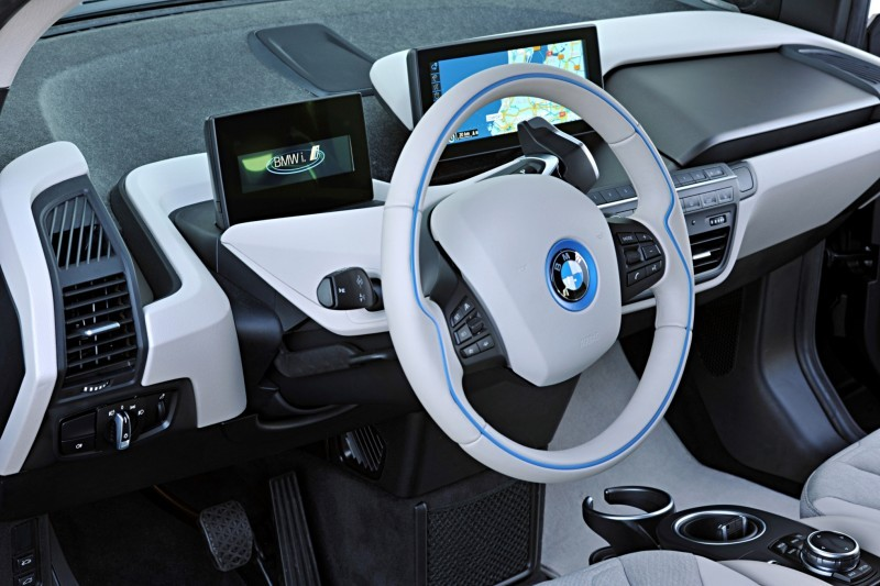 Car-Revs-Daily.com Mega Galleries - 2015 BMW i3 183