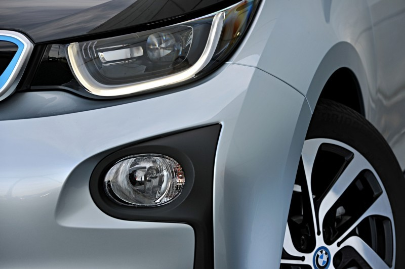 Car-Revs-Daily.com Mega Galleries - 2015 BMW i3 196