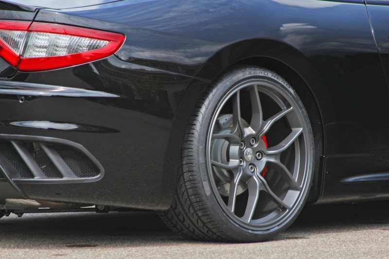 Car-Revs-Daily.com NOVITEC TRIDENTE Maserati GranCabrio MC Supercharged 9