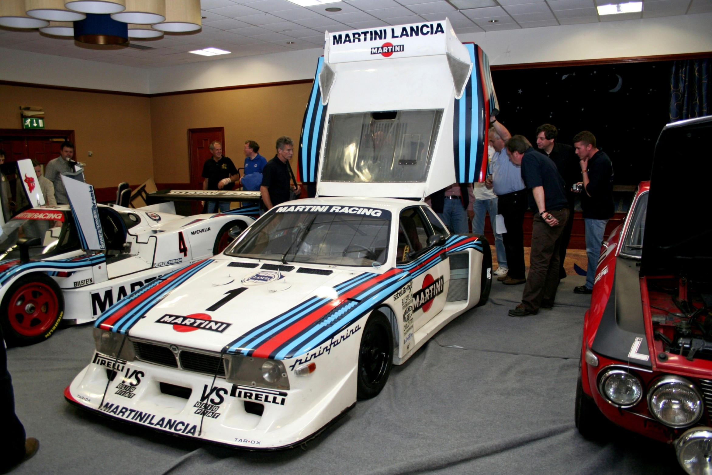 http://www.car-revs-daily.com/wp-content/uploads/Car-Revs-Daily.com-Rally-Legends-1983-Lancia-Beta-Montecarlo-and-1982-Lancia-037-at-Goodwood-2014-28.jpg