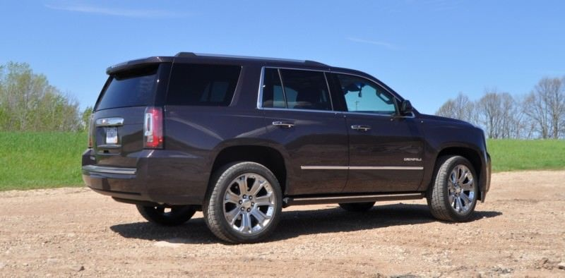 Car-Revs-Daily.com Reviews the 2015 GMC Yukon Denali 19