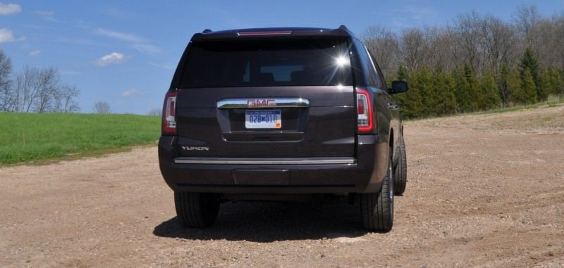Car-Revs-Daily.com Reviews the 2015 GMC Yukon Denali 24